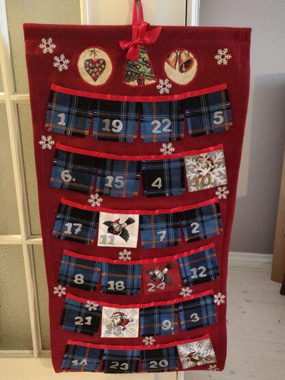 Jõulukalender_tartan_punane